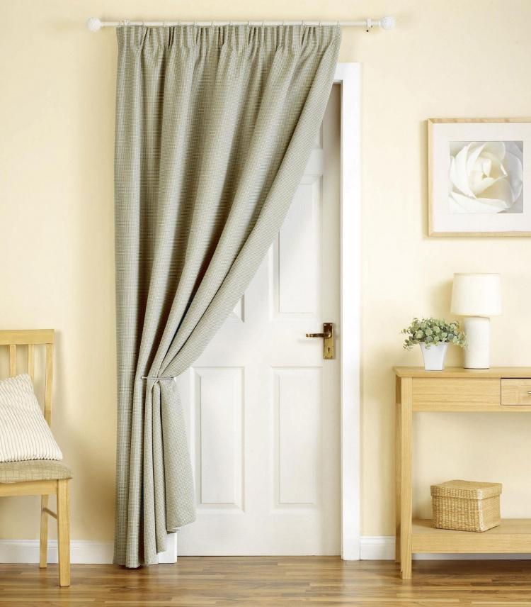 Как сделать занавеску на дверной проем своими руками